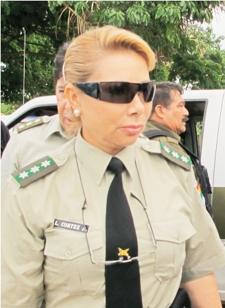 Vecinos-exigen-seguridad-a-jefe-policial