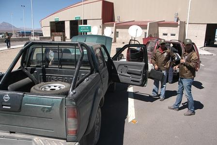 En-Chile-interceptan-a-sujetos-que-intentaban-sacar-19-autos-de-contrabando-a-Bolivia
