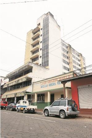 Centrico-edificio-lleva-20-anos-de-abandono