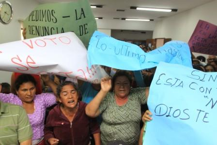 Eleccion-del-Concejo-con-fuertes-protestas-en-La-Guardia