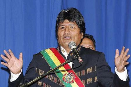 Evo-Morales-otorgo-el-15%-de-los-recursos-del-IDH-a-las-universidades