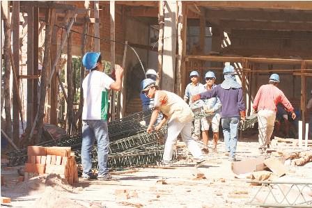 Quieren-multar-a--constructoras-que-incumplan-contratos-de-obras-publicas