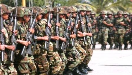 Militares-bolivianos-traspasan-frontera-con-Peru