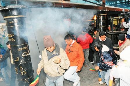Policias-gasifican-a-trabajadores-del-Bingo-Bahiti