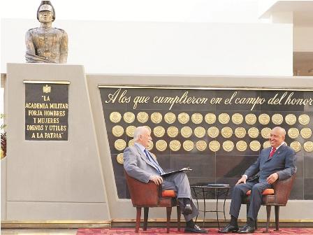 Chavez-admite-algunos-errores-en-su-Gobierno