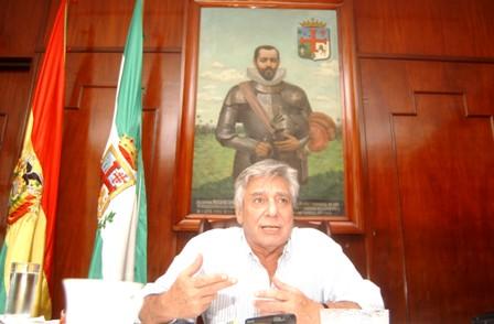 Imputan-al-alcalde-Percy-Fernandez-por-incumplimiento-de-deberes