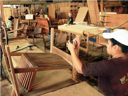 Exportacion-de-muebles-sigue-en-picada-y-el-sector-se-concentra-en-el-mercado-local