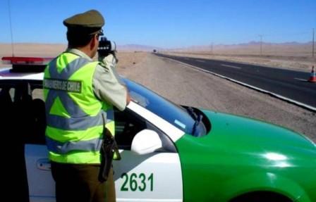 Detienen-a-11-bolivianos-por-supuesto-contrabando-de-vehiculos-en-Chile