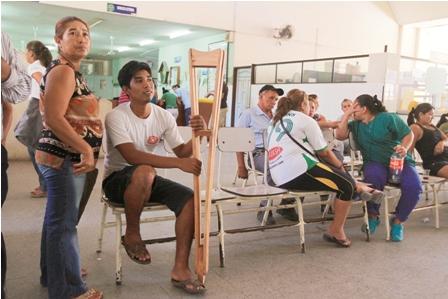 Retraso-en-recontrataciones-genera-crisis-en-hospitales