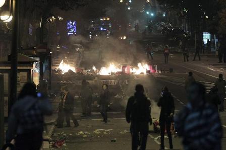 Nuevos-enfrentamientos-cerca-del-Congreso-de-Madrid-