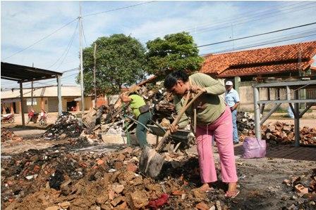 Trinidad-recibe-equipos-para-recojo-de-basura-