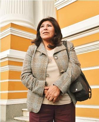 Alcaldesa-levanta-la-huelga-de-hambre-tras-una-resolucion