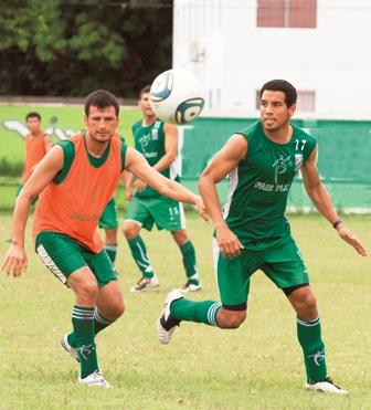 Sanchez-prueba-con-Pena--y-Vargas-en-la-ofensiva