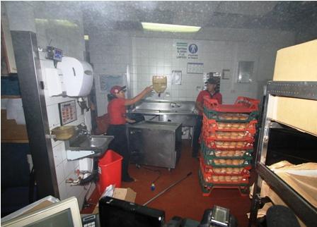 Incendio-en-Burger-King-causa-alarma