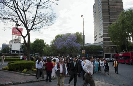 Dos-fuertes-sismos-sacuden-Mexico