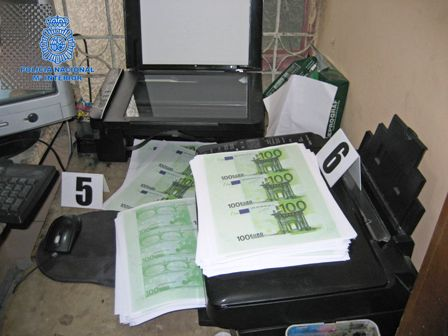 La-policia-desmantela-imprenta-de-billetes-falsos-en-Bogota