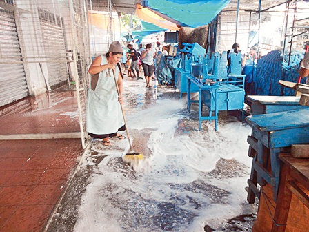 """Concluyo-la-limpieza-del-mercado-""""La-Ramada"""""""
