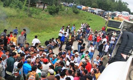 Transportistas-de-Yapacani-bloquean-la-carretera-al-norte