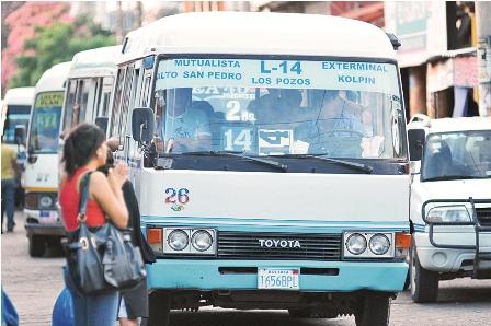 Transportistas-crucenos-ratifican-paro-de-48-horas-y-alza-de-tarifas