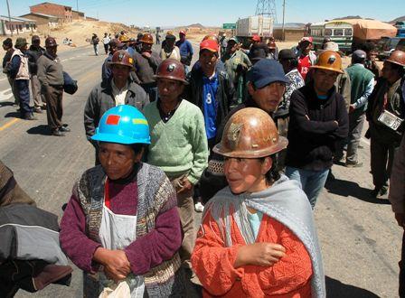 Cooperativas-mineras-en-emergencia-esperan-legalidad