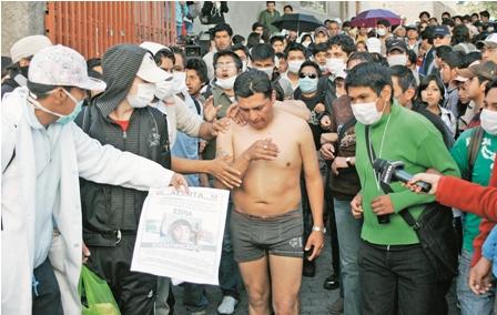 Morales-frena-decreto,-pero-no-la-protesta