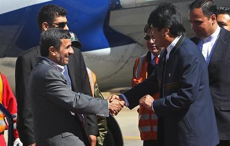 Ahmadineyad-llego-a-La-Paz-para-reunirse-con-Morales-antes-de-ir-a-Brasil