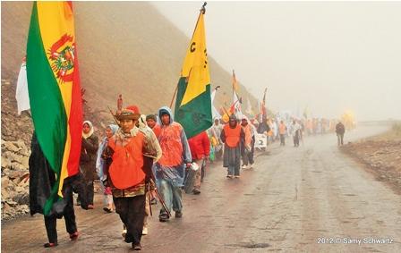 La-marcha-decide-esperar-antes-de-entrar-a-La-Paz