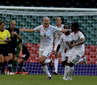 -Gran-Bretana-vence-a-Nueva-Zelanda-en-el-primer-partido-de--futbol-femenino