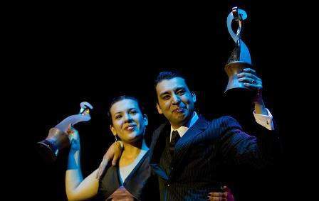 Ganan-Mundial-de-Tango-tras-ganarse-la-vida-bailando-en-la-calle