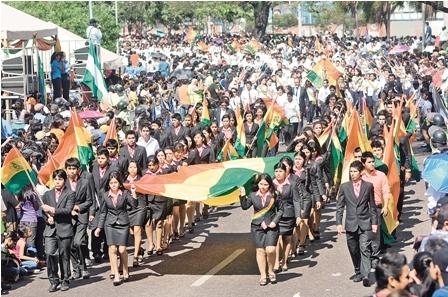 Escolares-piden-que-cesen-los-conflictos-en-Bolivia