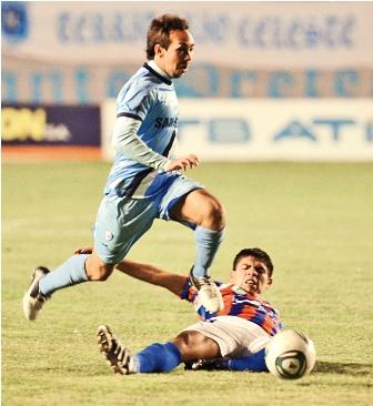 Bolivar-goleo-a-La-Paz-FC-y-en-Potosi-Real-y--Wilster--1-1-