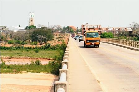 Otro-puente-en-el-Urubo-unira-la-capital-y-Porongo