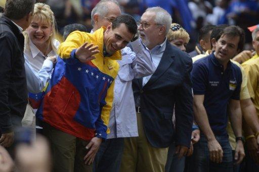 -Capriles-critica-a-Cabello-por-su-actitud-durante-incidente-en-Parlamento