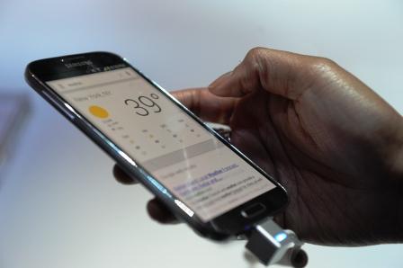 Critica-entrega-de-smartphones--