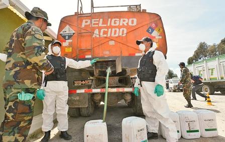Incautan-4.232-Kilos-de-acido-sulfurico