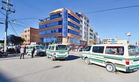 Choferes-paralizan-Oruro-por--las-tarifas