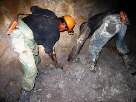 Empleos-se-mantuvo-en-la-mineria-en-2012