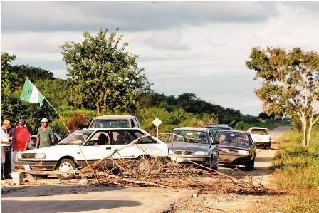 Lugarenos-de-San-Matias-bloquean-la-carretera
