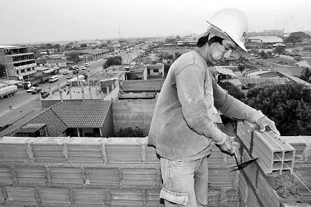 Seguridad-industrial-es--cara--para-constructores