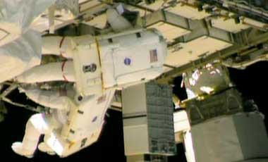 Astronautas-de-la-Nasa-comienzan-reparacion-de-escape-de-amoniaco-en-Estacion-Internacional