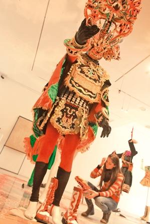 Carnaval-de-Oruro-en-una-sala-de-museo