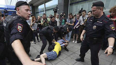 -Rusia-aprueba-leyes-que-reprimen--propaganda--homosexual-y--ofensa-religiosa-