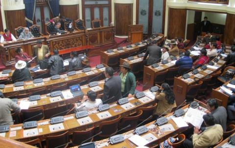 Diputados-aprueban-proyecto-de-ley-que-fija-el-17-de-octubre-como--Dia-de-la-Dignidad-Nacional-