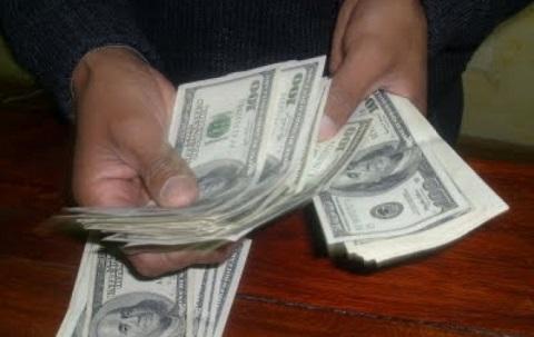 Ley-creara-fondo-que-garantiza-devolucion-de-ahorros-hasta-$us-10.000-en-caso-de-quiebra-bancaria