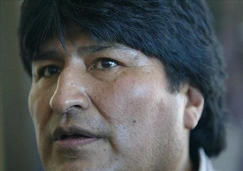 Evo-reitera-que-Pinera--miente--sobre-el-tema-maritimo-pese-a-la-protesta-chilena