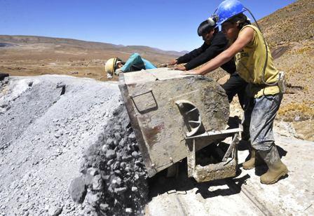 Se-producen-80-toneladas/dia-de-acido-Sulfurico