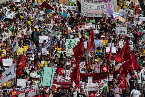 Nino-recibe-disparo-en-la-cabeza-durante-manifestacion-en-Brasil-