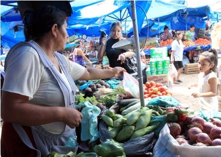 Restringiran-compra-de-frutas-y-hortalizas