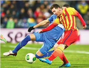 Lionel-Messi-lleva-al-Barcelona-a-cuartos-