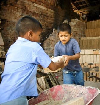 Sugieren-trabajo-infantil-desde-los-14-
